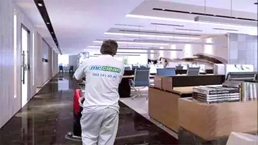 Die Büroreinigung von Reinigungsfirma