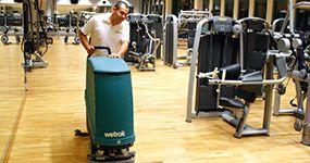 der Unterhalt bei einer Fitnesscenterreinigung